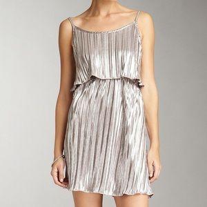 Romeo + Juliet couture Metallic ruffled Dress Sz M